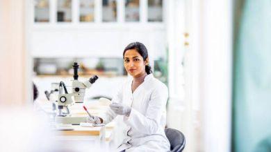 Chemistry laboratory student
