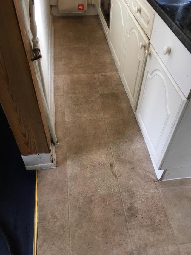 Vinyl Kitchen Floor Before Cleaning Wanstead E11