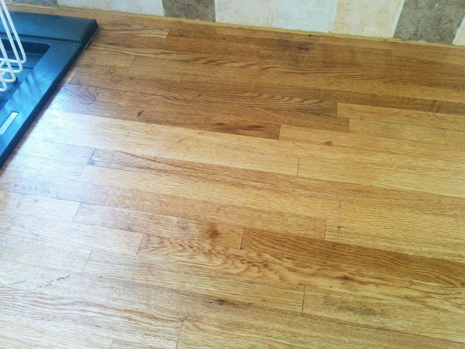 Kitchen worktop after oiling 1