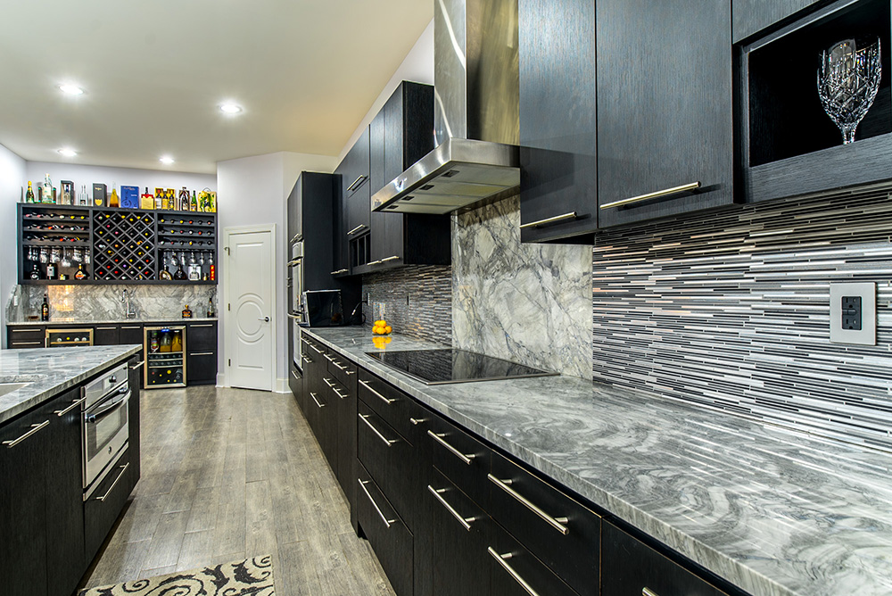Kitchen Cabinets Image Galleries for Inspiration on Backsplash With Dark Countertops  id=95037