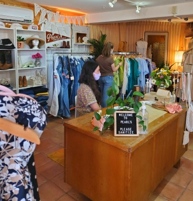 Shop Pearl's Vintage & Thrift a