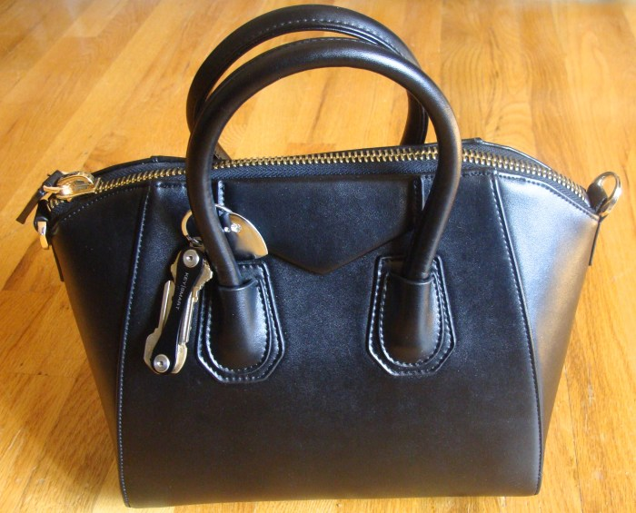 Leather Handbag Giveaway, BagInc,