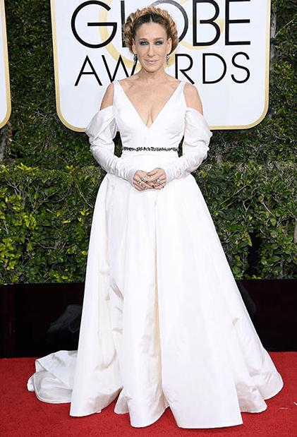 Sarah Jessica Parker in Vera Wang, 2017 Golden Globe Awards Red Carpet 10 Best Dressed Celebs