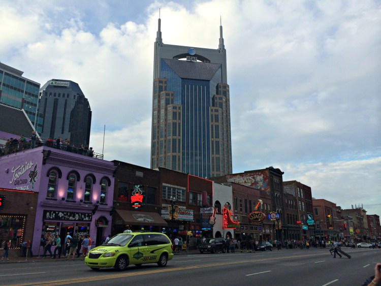 nashville_lower_broadway