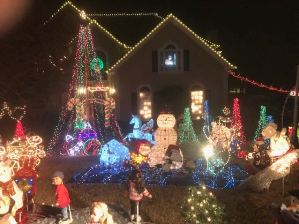 East Cobb home holiday lights map