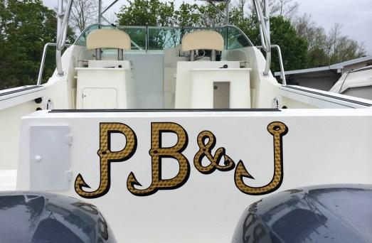 pb&j boat lettering