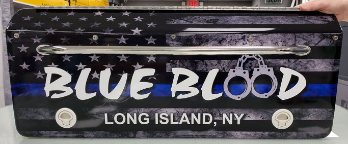 blue-blood-boat-hatch