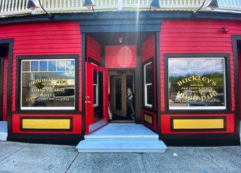 buckleys irish pub storefront