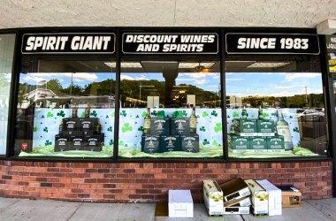 spirit giant storefront