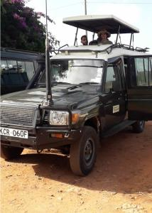Masai Mara Safari Package - land criser transport to masai mara is now popular in Eastern Vacations