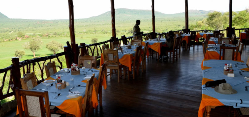 Rhino Valley Lodge