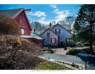 """Showcased Home: 30 Middle Road of """"Christmas in the Barn"""" Fame for Sale"""