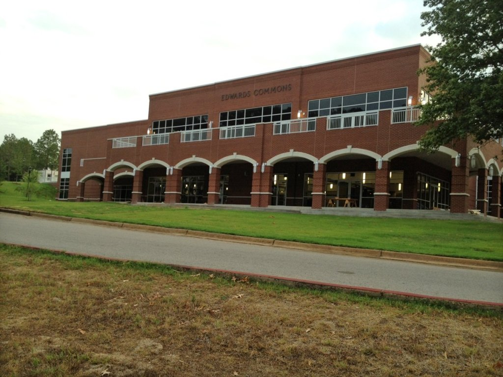 Lyon College Student Center Exterior