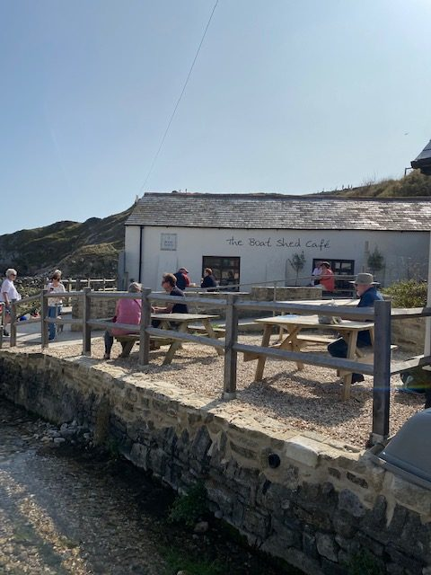 where to eat in lulworth cove