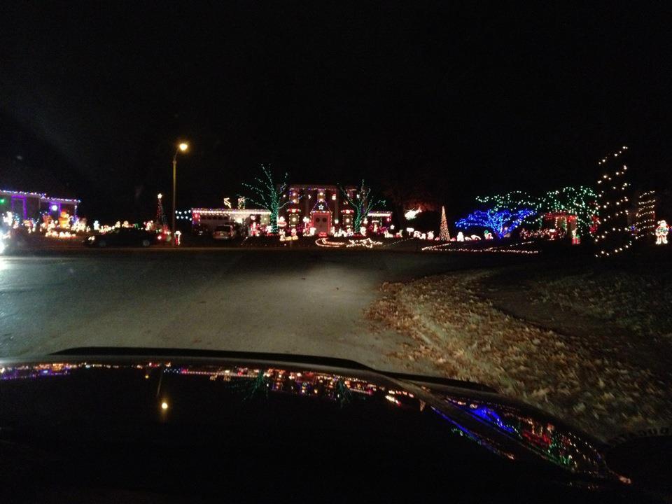 White Station Near Sanderlin. The Vorwerk Family Christmas Lights