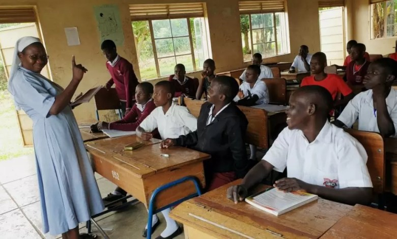 Photo of Deaf School Lays Off 80 Staff For Demanding Payment Of 13 Months' Salary Arrears