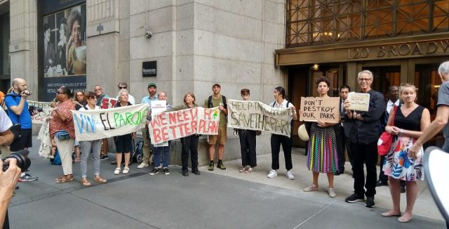 Demonstrators to save East River Park