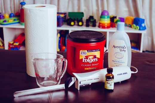 Everything you need to make homemade baby wipes