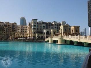 Fountain lake near Burj Khalifa