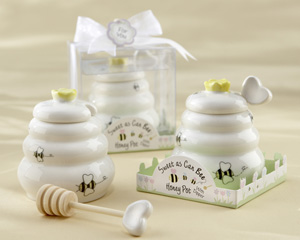 Bee hive shaped honey pot party favors