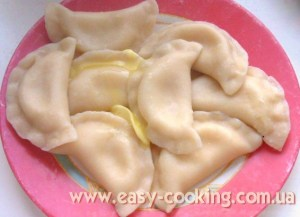 Ukrainian varenyky with cottage cheese and potato recipe - Katrusia's Kitchen Easy-Cooking Recipes