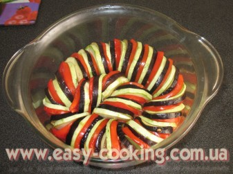Овощи на рататуй, нарезанные кружочками