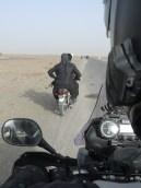 Saattajat eivät Pakistanin Balochistanissa pukeudu aina virkapukuun.