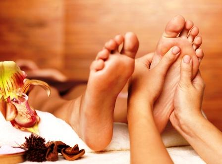 Foot massage: Ayurvedic Benefits, How To Do, Importance