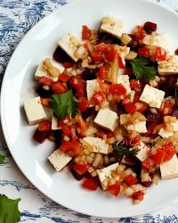 Sweet And Spicy Tofu Salad With Beetroot