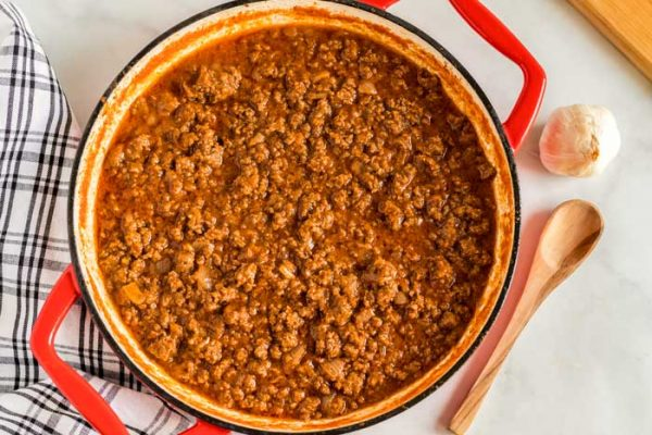 Overhead picture of the finished sloppy joe mixture.