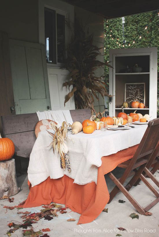 30 Eye-Catching Outdoor Thanksgiving Decorations Ideas ... on Backyard Table Decor id=81053