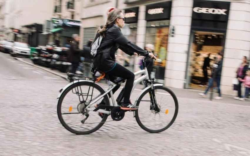 Easy E-Biking - e-bike city cyclist, helping to make electric biking practical and fun
