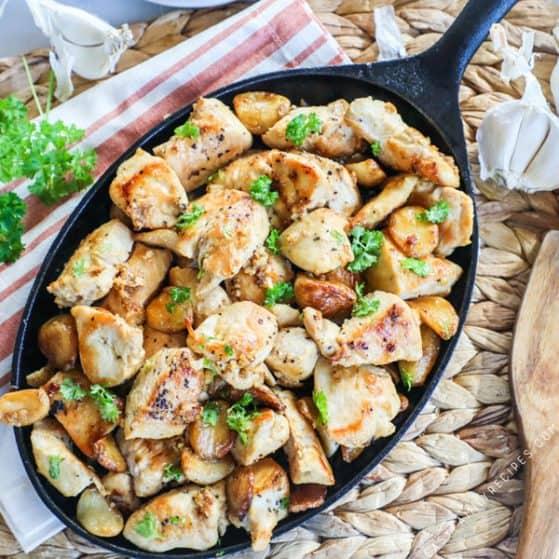 Garlic Chicken in a Skillet