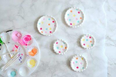 https://lollyjane.com/diy-polka-dot-ring-dishes/