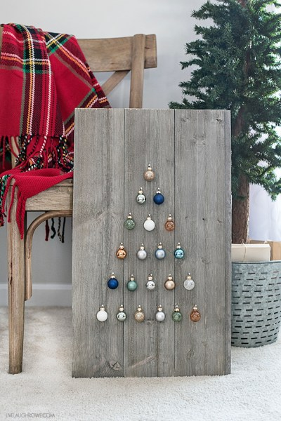 https://livelaughrowe.com/shiplap-ornament-display/