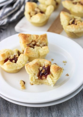 Strawberry Balsamic Baked Brie Bites