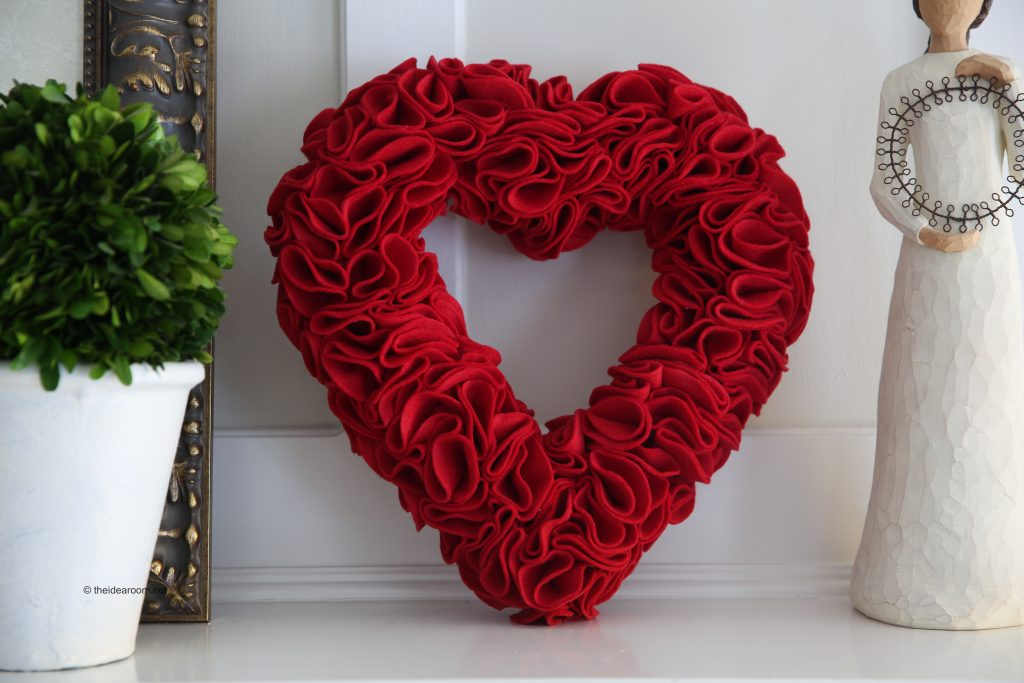 Heart Wreath U2013 It Is The Perfect Valentineu0027s Day Craft And Although A Bit  Time Consumingu2026it Really Easy To Make. Via The Idea Room