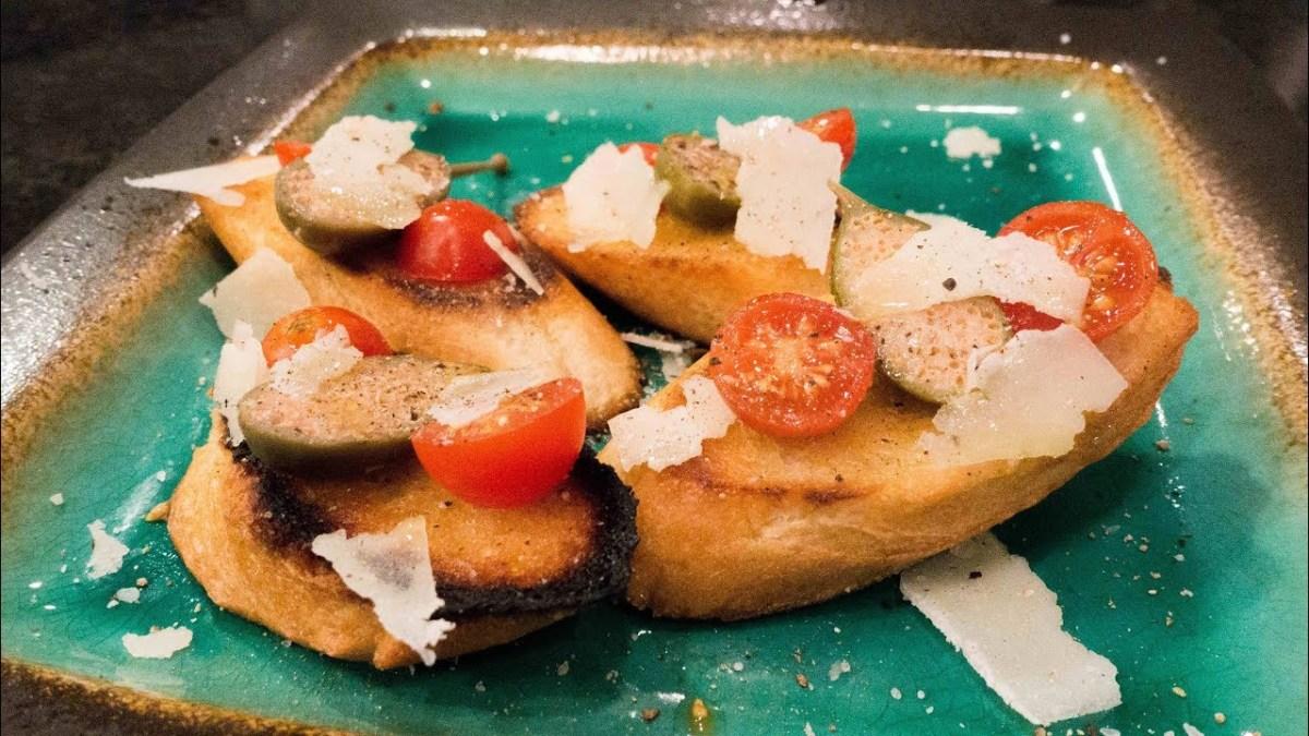 Cooking GORDON RAMSAY'S BRUSCHETTA with garlic, tomatoes, caper berries, pecorino (VIDEO)
