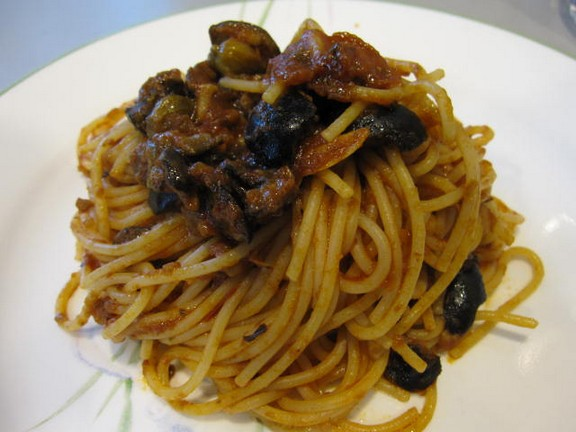 Very Easy Italian Puttanesca Spaghetti Sauce recipe photo