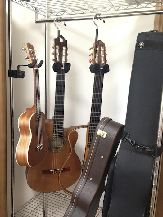 ギターとウクレレ保管