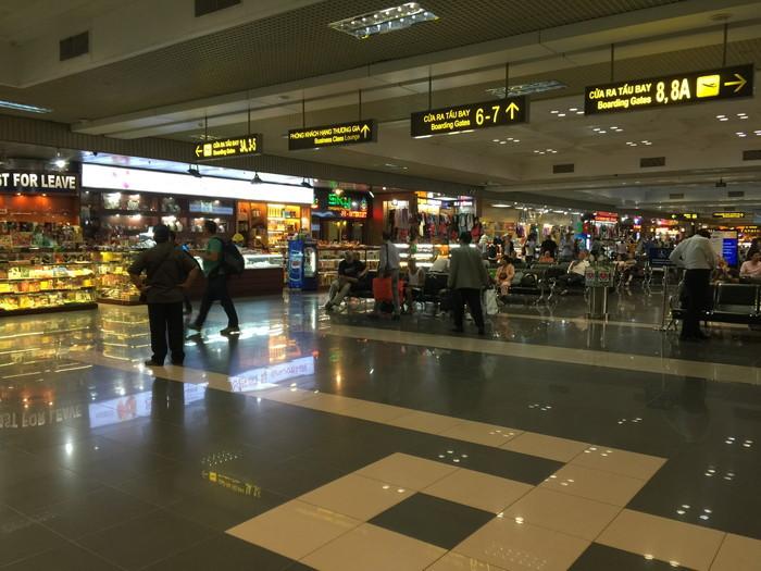 ノイバイ国際空港免税店