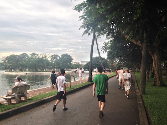 トンニャット公園 休日の朝