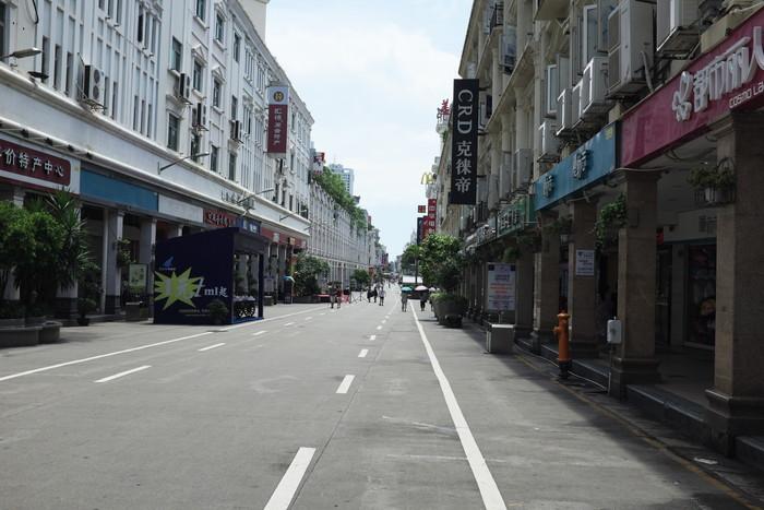 中山路歩行街の様子