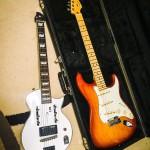 旅行に持って行けるセカンドギターを探す