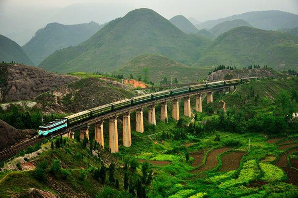 South China highlight tours by high speed train