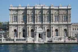 Istanbul-Turkey-Dolma-Bahce-Palace-Museum