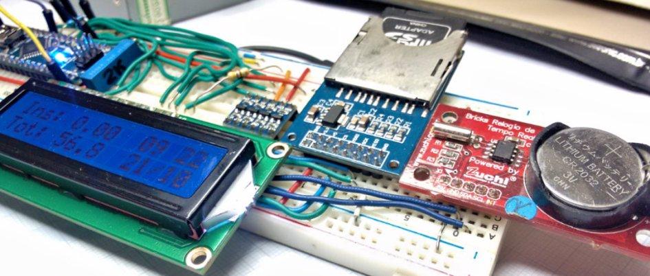 Arduino Lab 15 – Sistema de monitoramento e data logger de