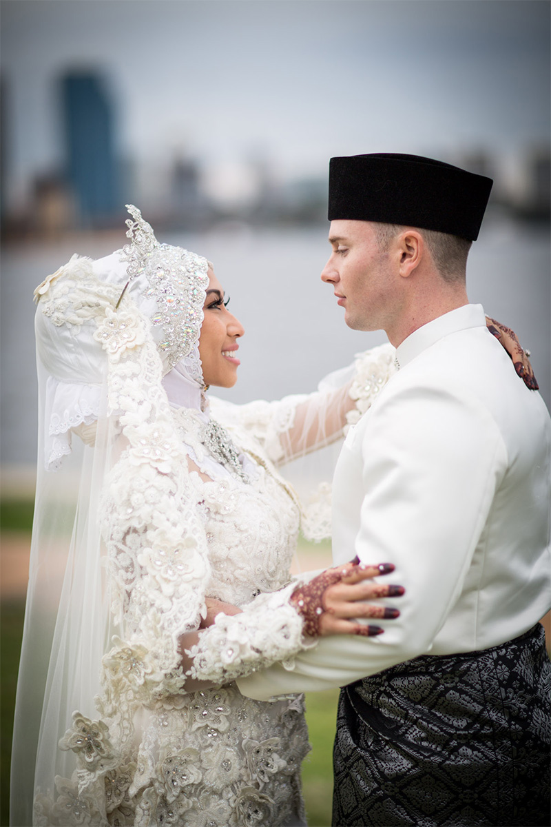 Siti Amp Justin Celebrate In Style With Traditional Malay Wedding