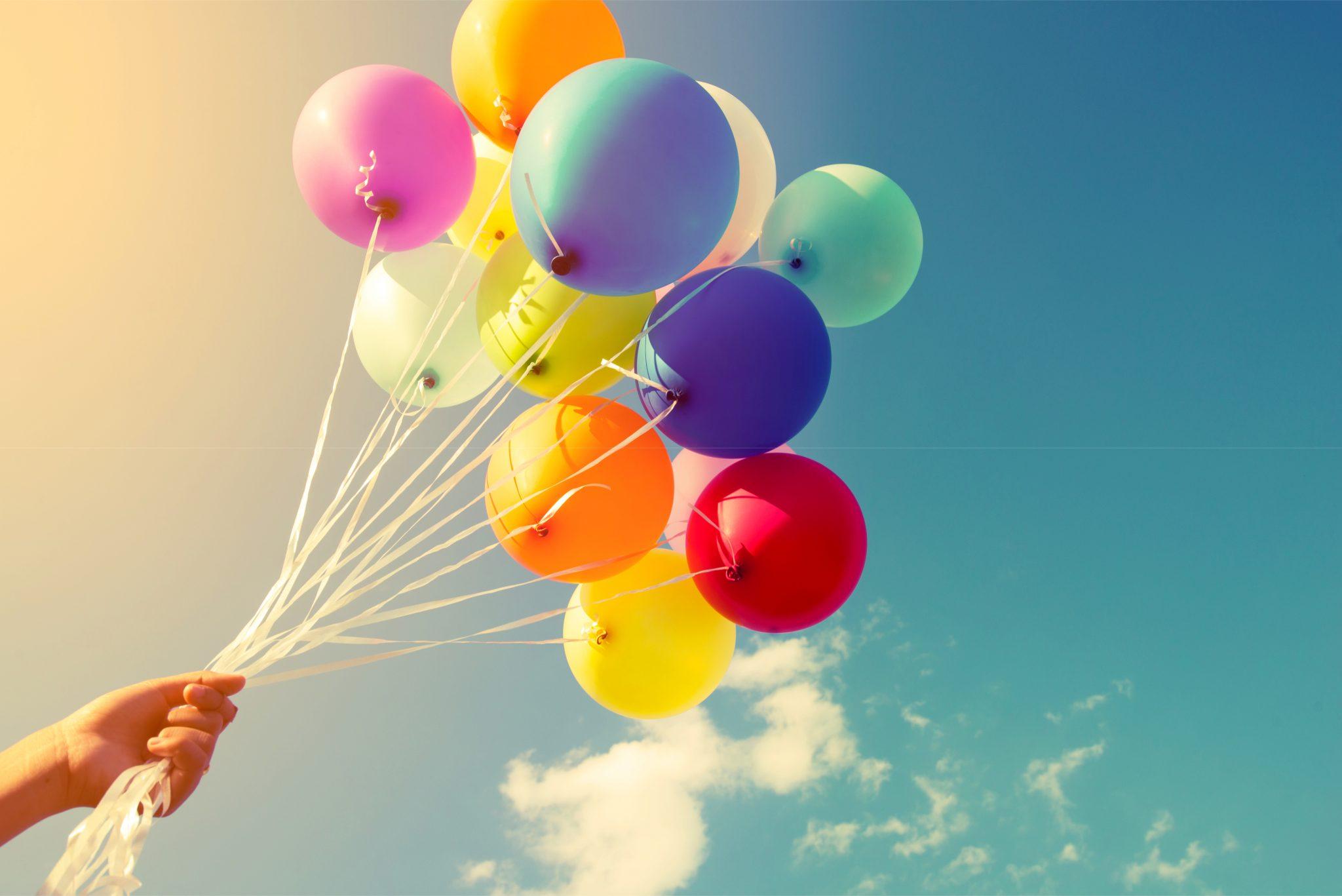 飛んでいきそうな風船