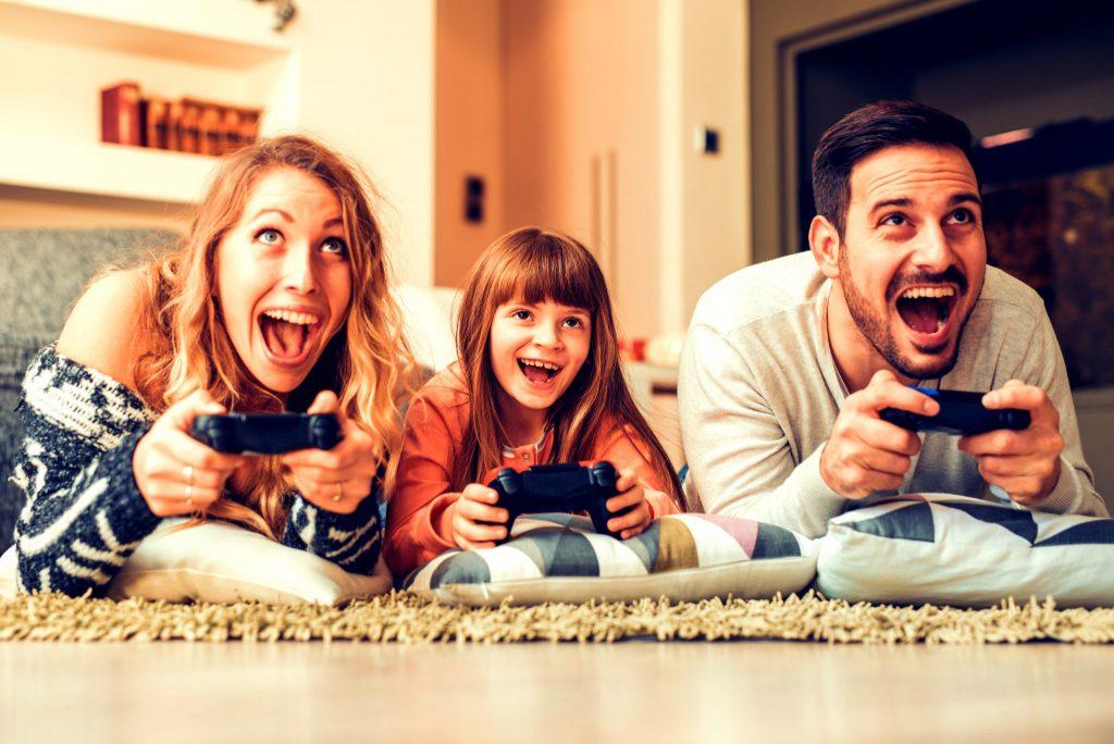 家族でテレビゲーム